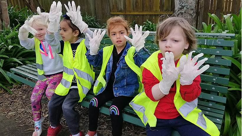 Conservation Week children at Lollipops Papamoa Daycare picking up rubbish