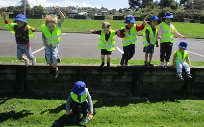 Lollipops Browns Bay daycare child trip to Freyberg Park